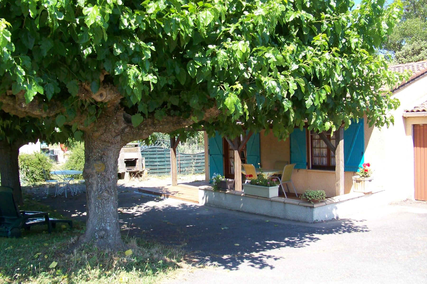 Au milieu des vignobles-Gîte deFrance Moulis Arzens