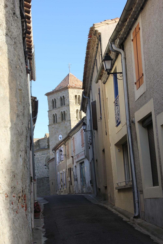 rue à l'intérieur d'Arzens