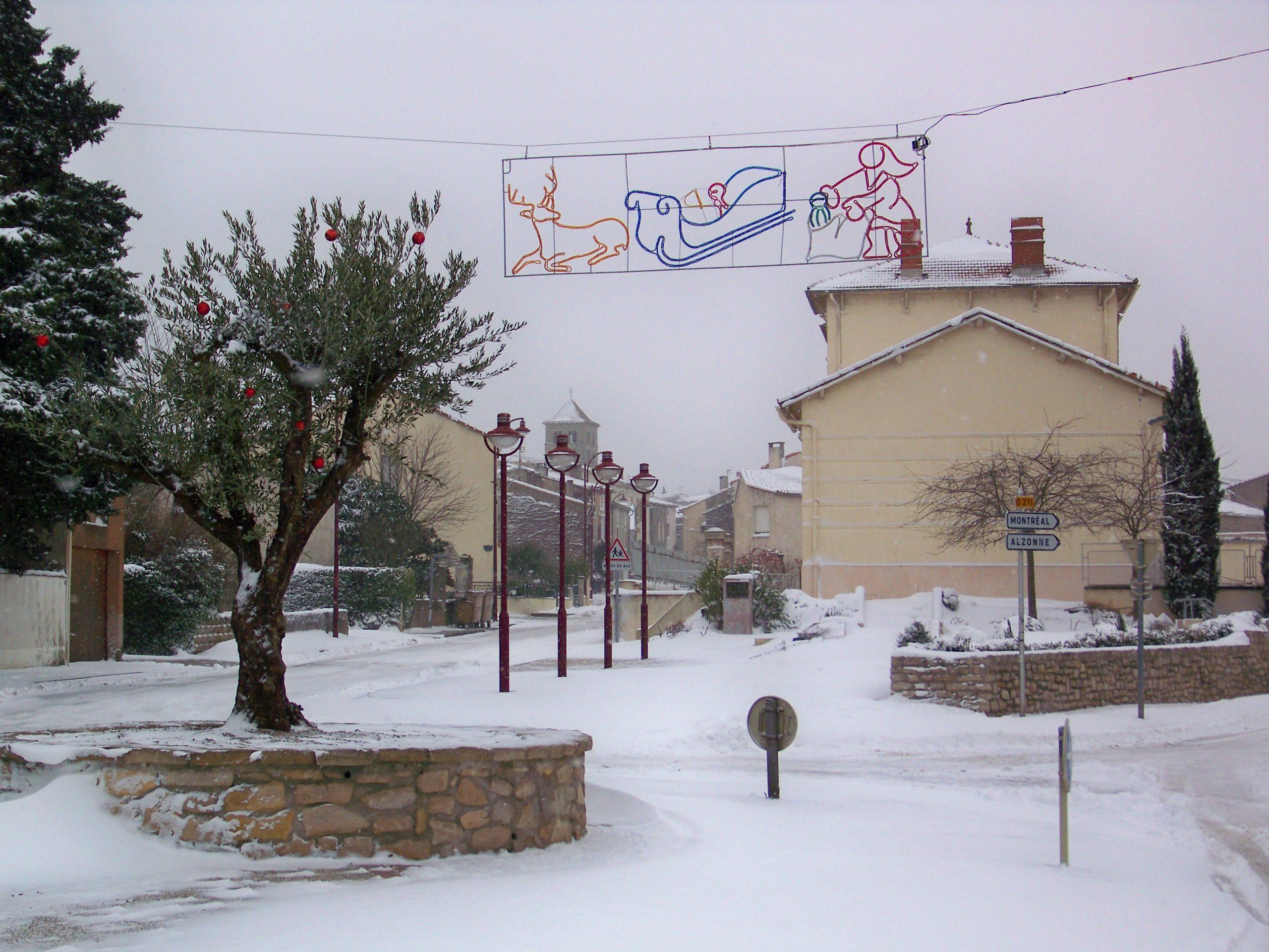 entrée du village enneigé