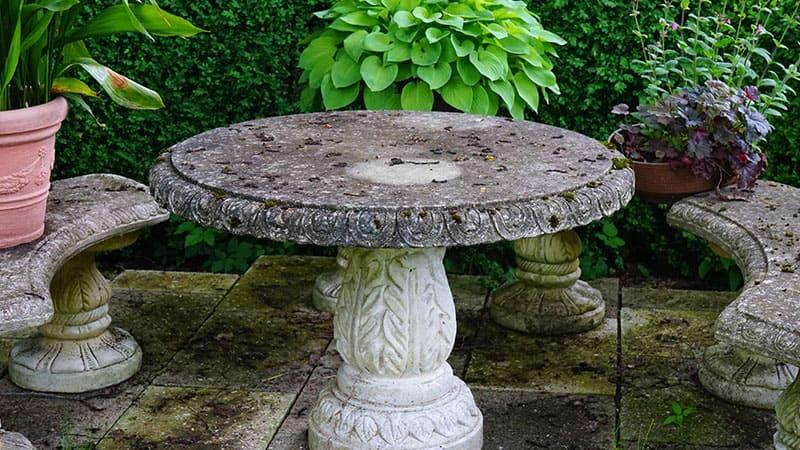 Salon de jardin en pierre - Marbrerie Pistre