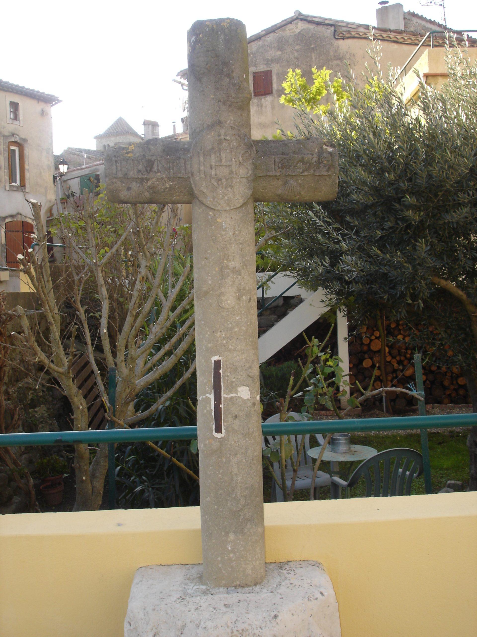 croix coquille Saint Jacques