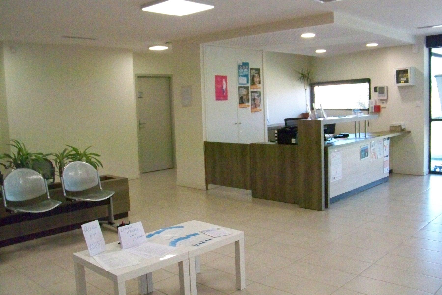 salle d'attente centre médical d'Arzens