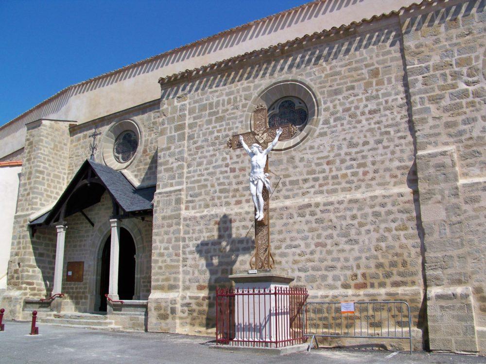 entrée de l'église d'Arzens