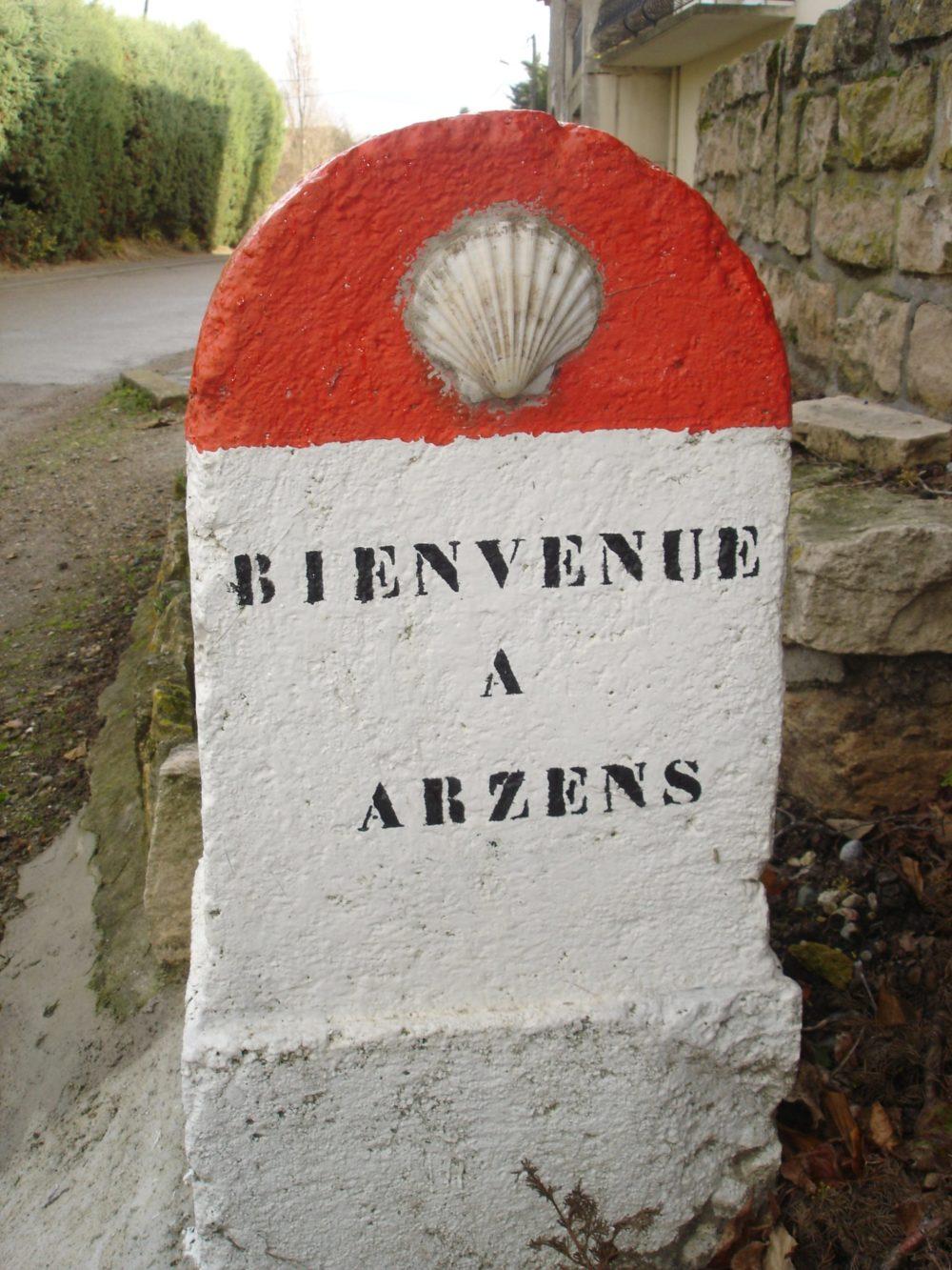 borne Saint Jacques à Arzens
