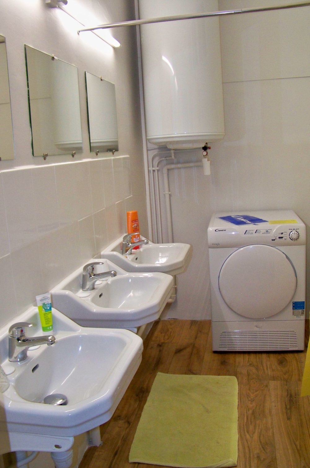 lavabo et sèche linge